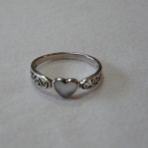 Jewelry - Sterling Silver Ring 8.5 White Heart